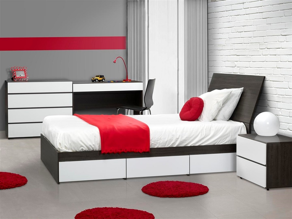 8 Innovative, Clever And Cheap Bedroom Decorating Ideas ... on Bedroom Ideas Cheap  id=89839